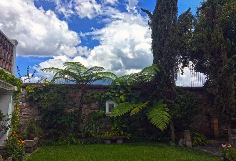 Casita San Agustín, Antigua Guatemala, Garden