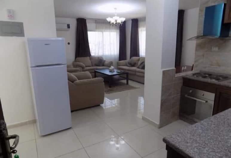 Al Asala Al Arabiai for Hotel Aparments, Amman, Apartment, 2 Bedrooms, Non Smoking, Kitchen, Living Area