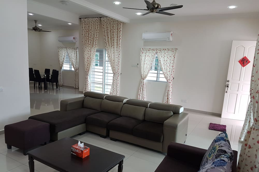 Family House, Multiple Beds, Non Smoking - Living Room