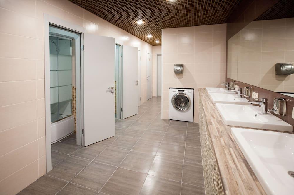 Basic Room, Mixed Dorm, Shared Bathroom - Bathroom