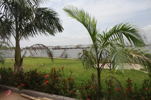 Nordik Palace Bed Breakfast Tema Ghana Tema Hotel Discounts Hotels Com