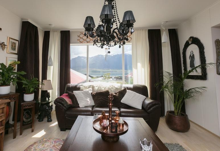 Blómasetrið Homestay, บอร์การ์เนส, ห้องนั่งเล่น