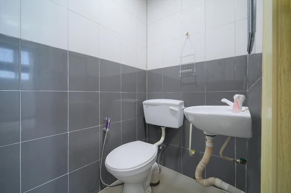 Chambre Double Standard, 1 grand lit - Salle de bain