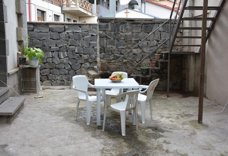 Welcome Rabati, Akhaltsikhe, Restoran na otvorenom