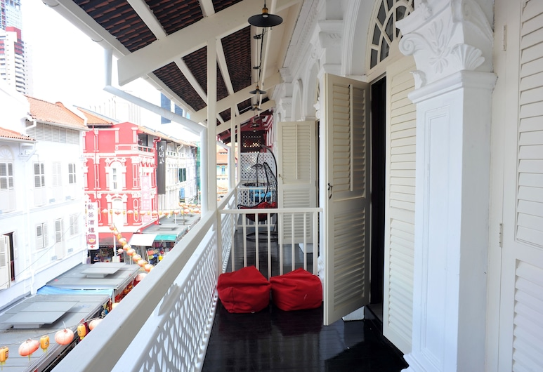 Hotel 1887 The New Opera House, Singapore, Deluxe Triple Room (with Balcony), Guest Room