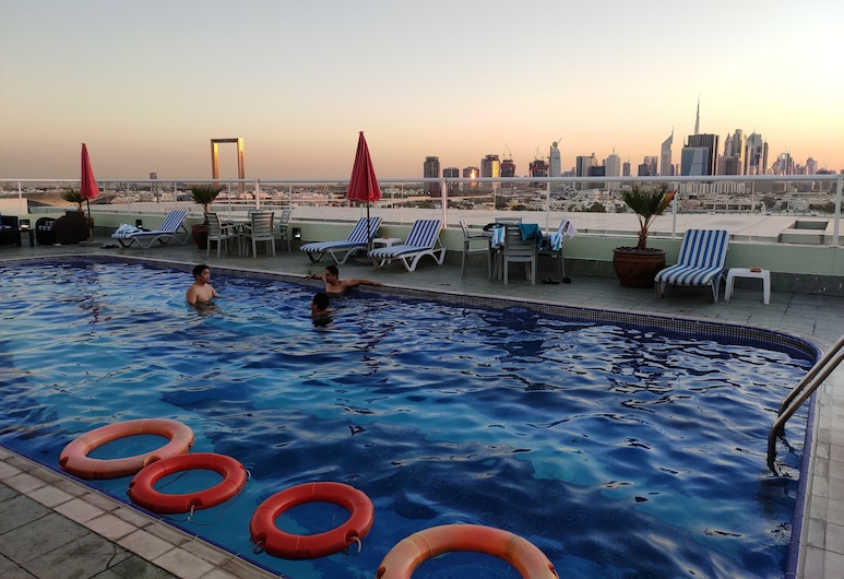 Westzone Plaza Hotel Apartments, Dubai, Pool