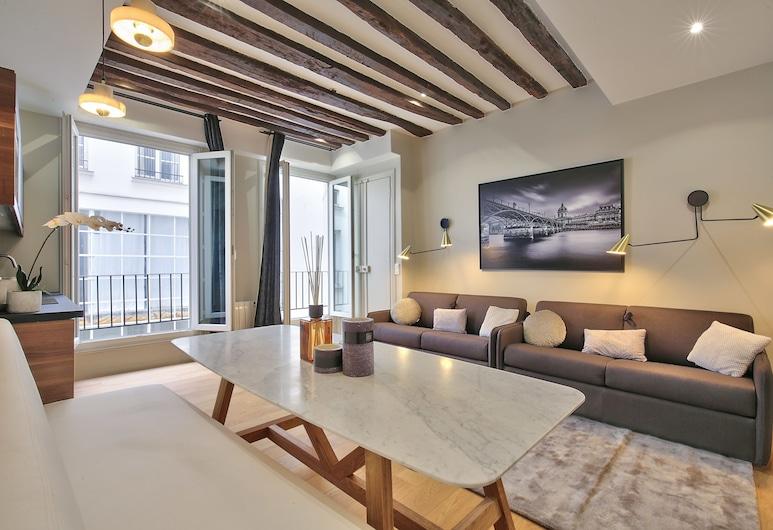 70 - Authentic Parisian Flat, Paris, Apartment, 3 Bedrooms, Living Room