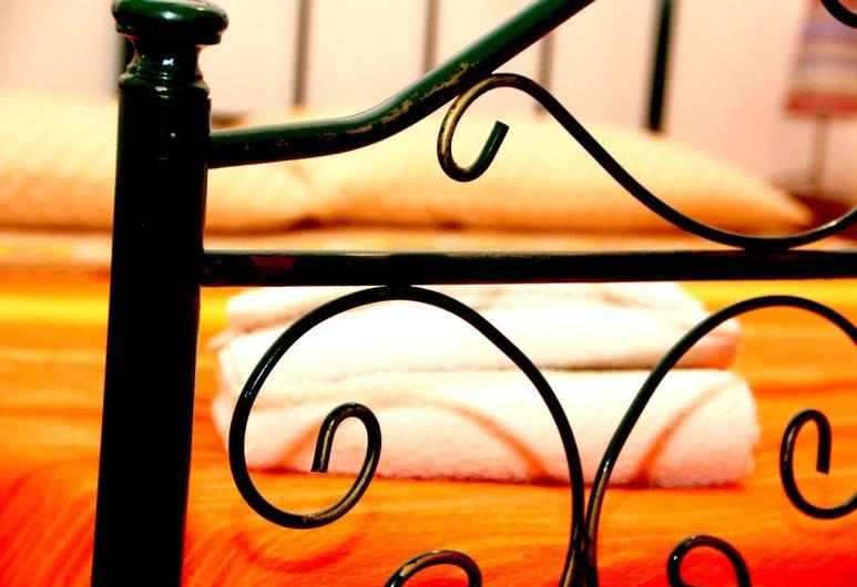 Bed and Breakfast L'Aranceto, סן דונאצ'י, חדר זוגי, חדר אורחים