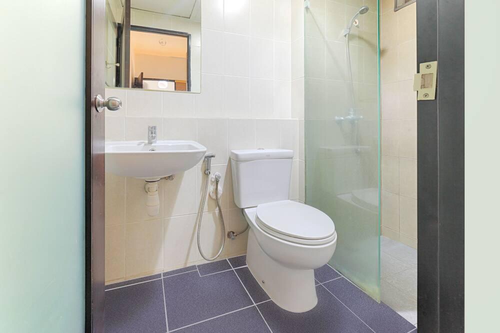 Deluxe-dobbeltværelse - 1 soveværelse - ryger - køleskab - Badeværelse
