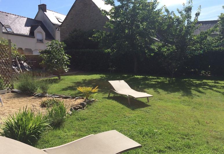 La Maison, Les Forges, Garden