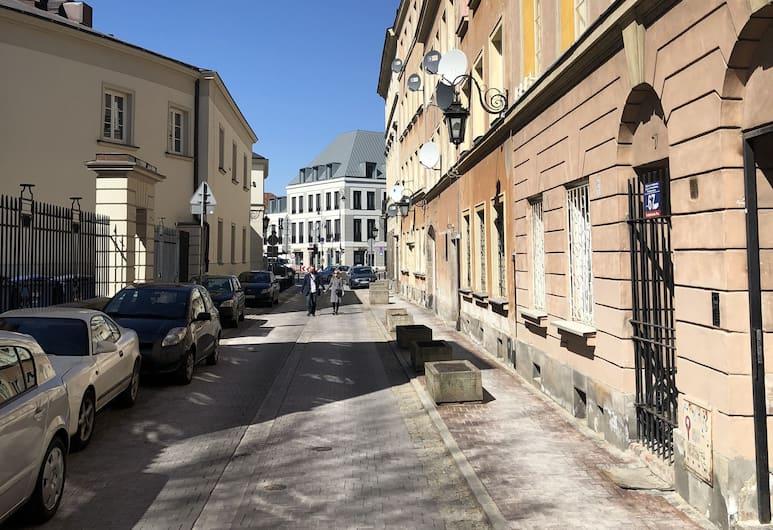 Sparrow Old City Apartment, Warszawa, Z zewnątrz