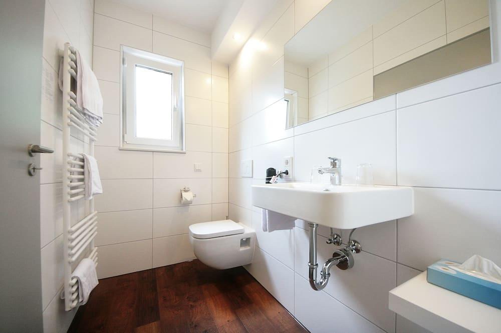 Jednolůžkový pokoj typu Classic - Umyvadlo vkoupelně