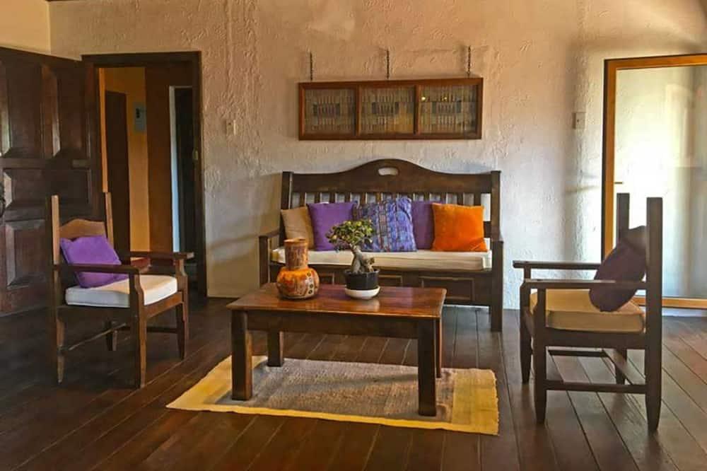 Kambarys, 1 standartinė dvigulė lova - Svetainė