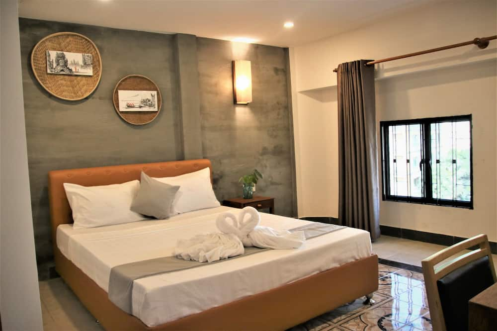 Superior Double Room, 1 Queen Bed, Smoking - Living Room