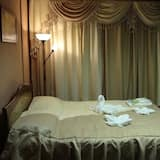Suite, 1 Double Bed with Sofa bed (7) - Guest Room