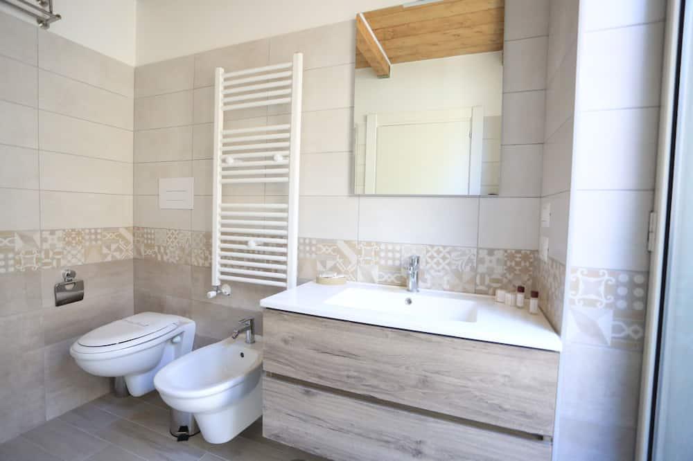 Phòng 4 tiện nghi đơn giản (Alleria) - Phòng tắm