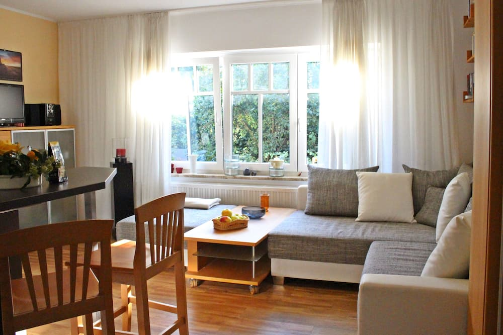 Apartment (6 - incl. 40€ cleaning fee) - Living Area