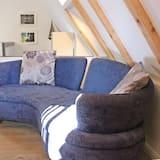 Comfort Apartment, 2 Bedrooms, Garden Area - Living Area