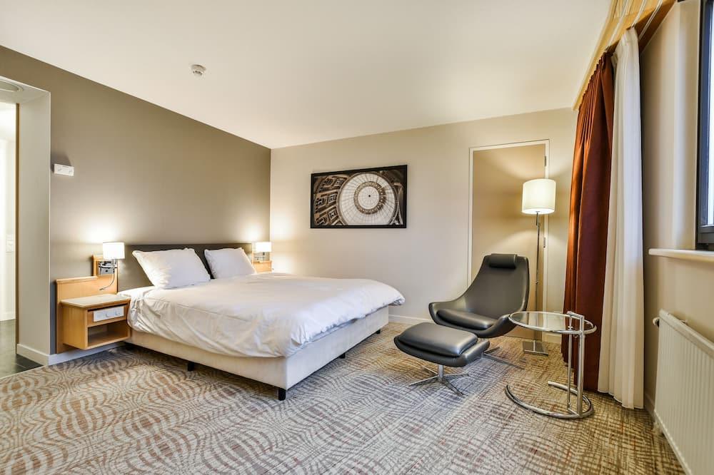 Chambre, 1 très grand lit, accessible aux personnes à mobilité réduite, non-fumeurs (Roll-In Shower) - Chambre
