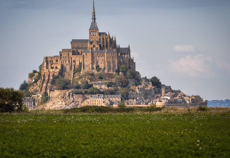 La Rive - Le Mont-Saint-Michel, Pontorson
