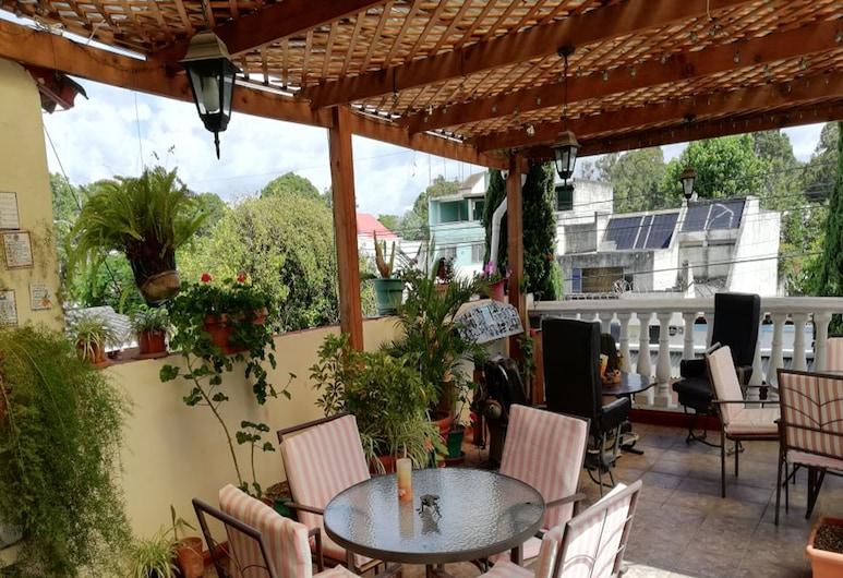 Mariana's Petit Hotel, Guatemala City, Terrace/Patio