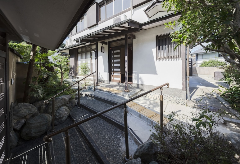 Kiyomizu Garden, Kyoto, Interior Entrance