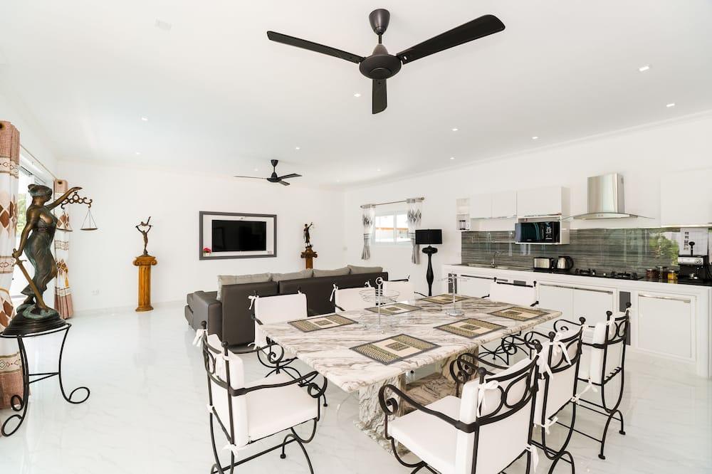 4 Bedrooms Villa - 客房內用餐