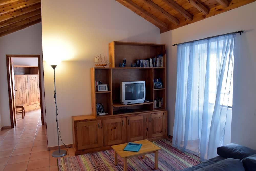 Apartment, 1 Bedroom, Terrace, Ocean View (2) - Living Room