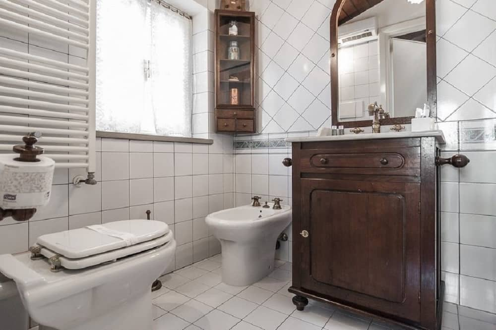 Comfort Double Room, Private Bathroom - Bathroom