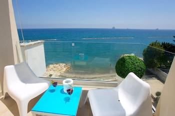 Φωτογραφία του Seaside Luxury Beach Apartment, Λεμεσός