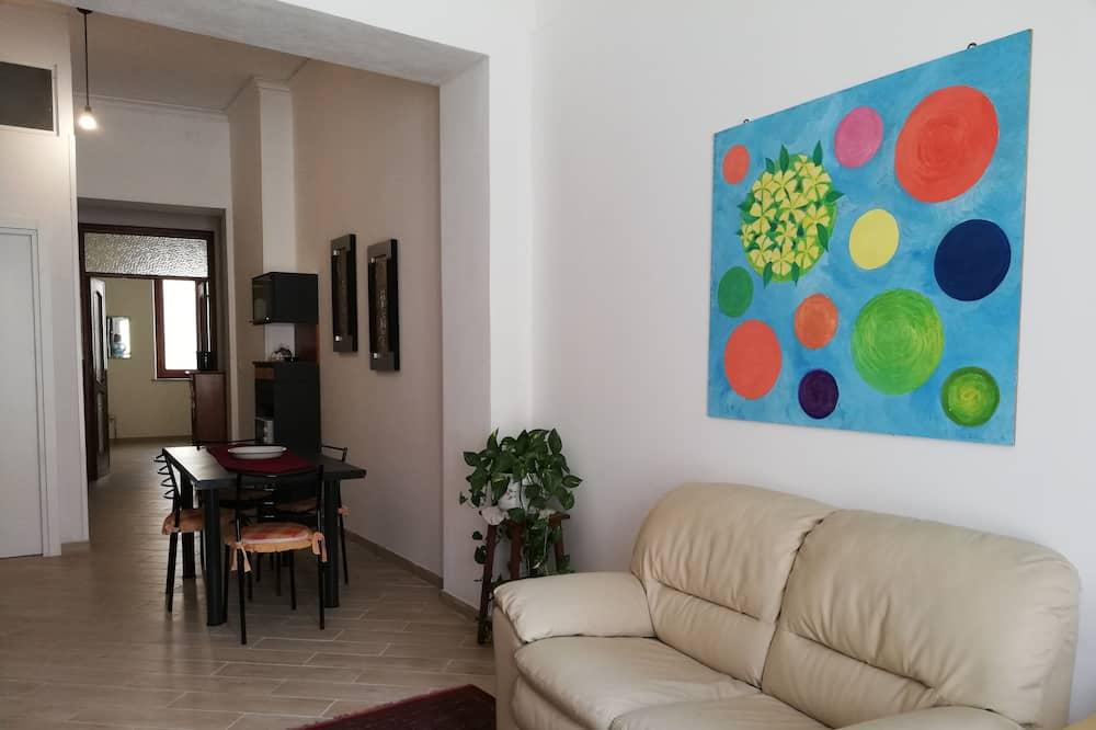 Elite Apartment, 3 Bedrooms, Kitchen, Tower - Living Area