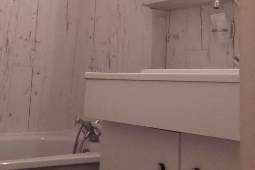 Двухместный номер базового типа с 1 двуспальной кроватью, для некурящих - Ванная комната