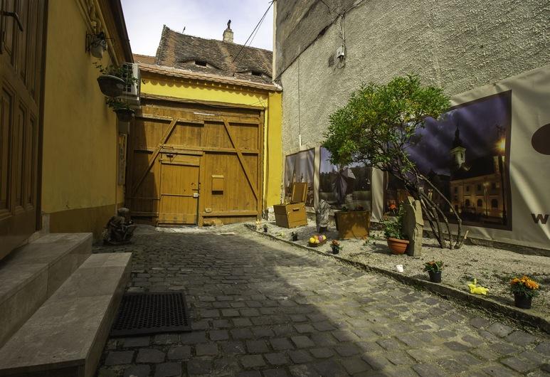 Hermannstadt House1, Sibiu, Außenbereich