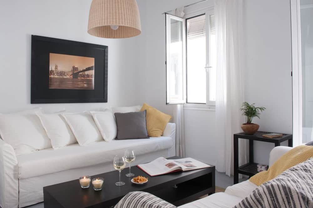 Apartment, 1 Bedroom, City View (4A) - Living Room