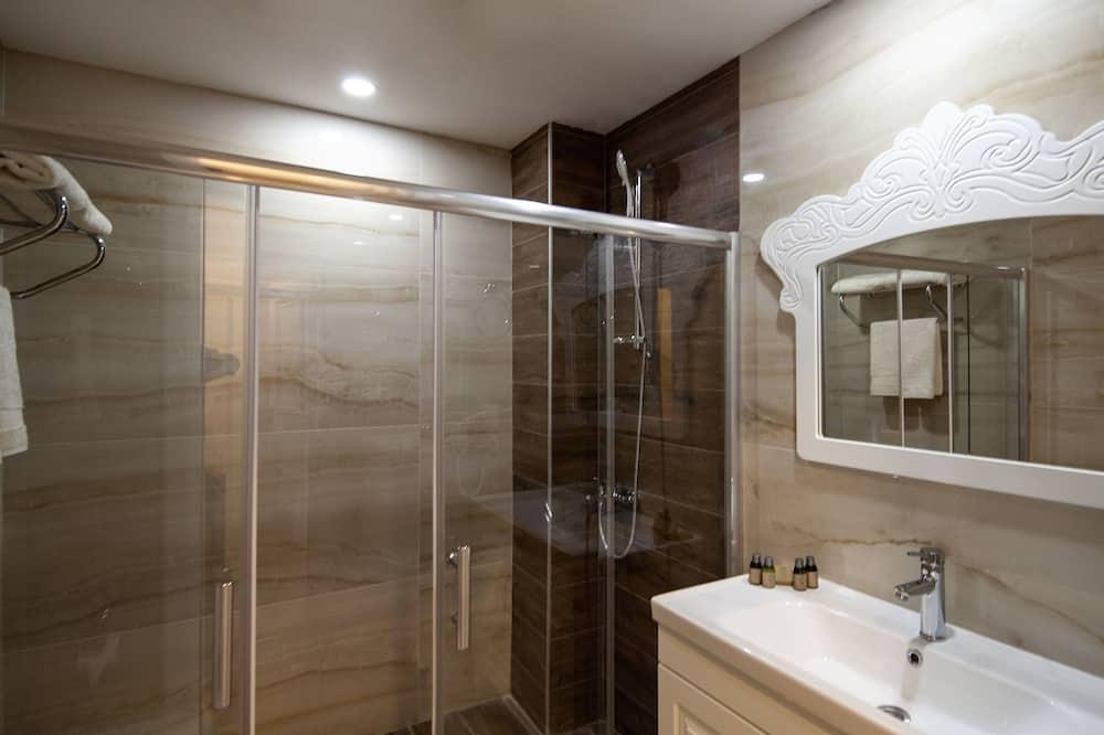 Deluxe Superior Room with Sea View,Balcony - Bathroom