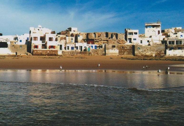 Maison Amiral, Sidi Bibi, Hadapan Hotel
