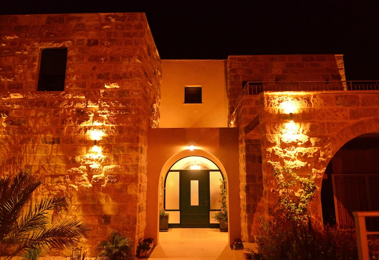 Villa Herodion, Tekoa, Front of property - evening