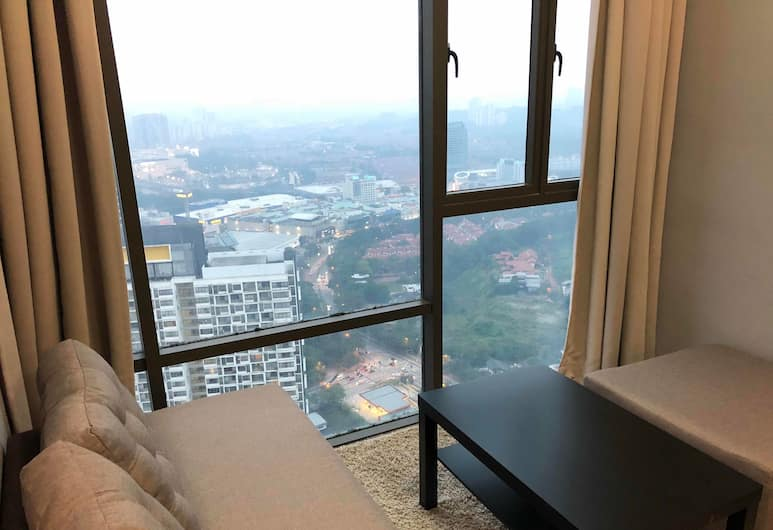 Empire Damansara Residence Suites, Petaling Jaya, Standard Apartment, 1 Queen Bed with Sofa bed, Non Smoking, Living Area