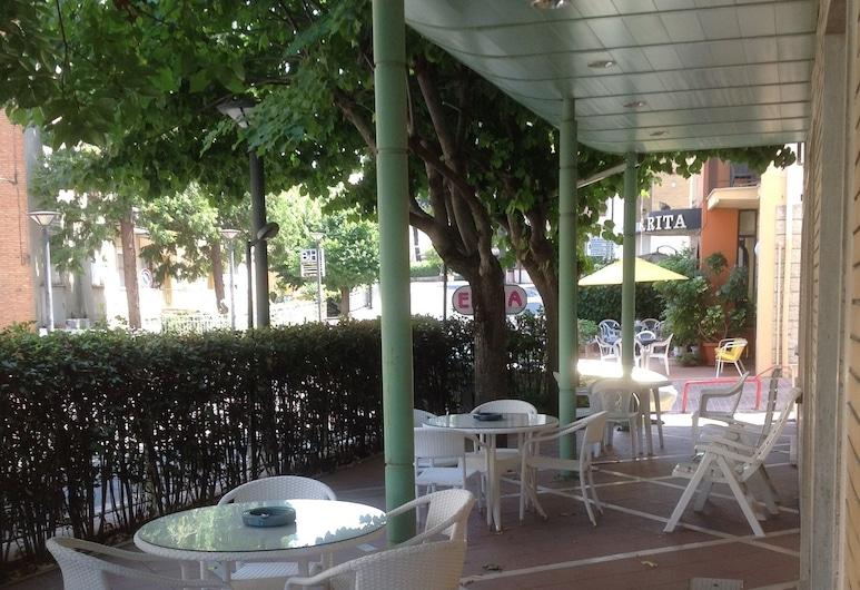 Hotel Elena, Chianciano Terme, Courtyard