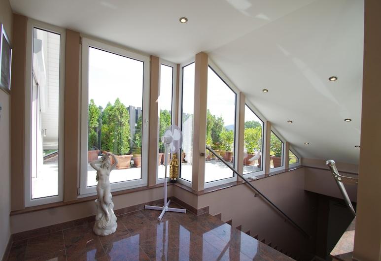 Luxury Apartments Bonn, Bonn, Comfort-Penthouse (Alexandra, excl. 80 € cleaning fee), Zimmer