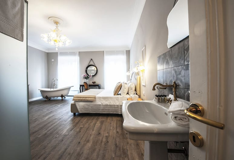 Babuino Grand Suite Luxury Rooms, Rome, Suite, City View, Guest Room