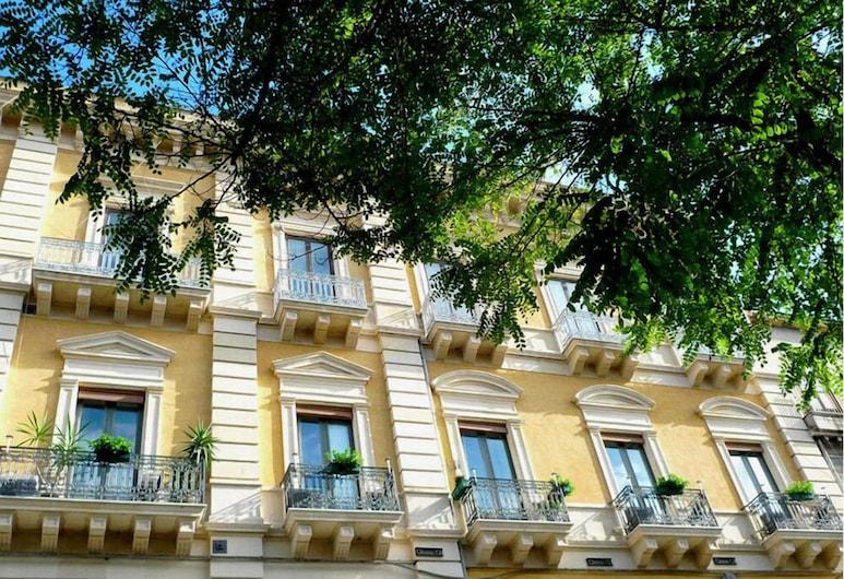 5 balconi, Catania