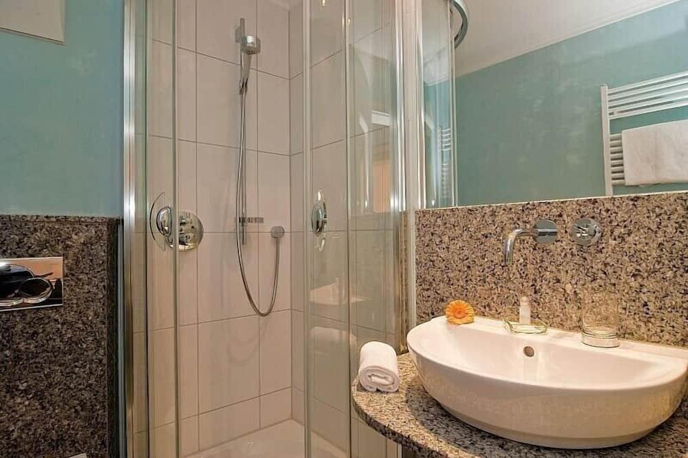 Chambre Double Standard, non-fumeurs, vue ville - Salle de bain