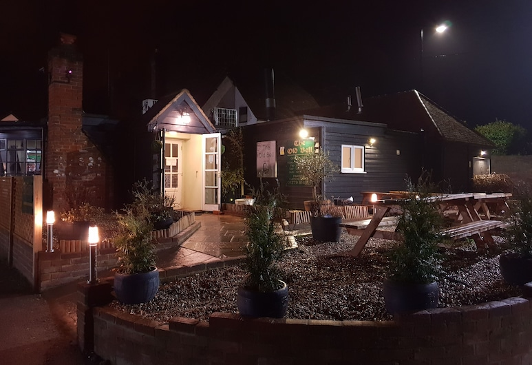 The Old Bell Hotel, Taman Stansted