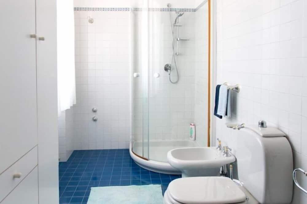 Classic dubbelrum - delat badrum - utsikt mot poolen - Badrum