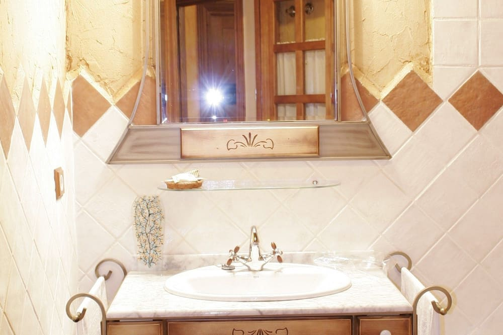 Deluxe Room, Jetted Tub, Valley View (Naranja) - Bathroom