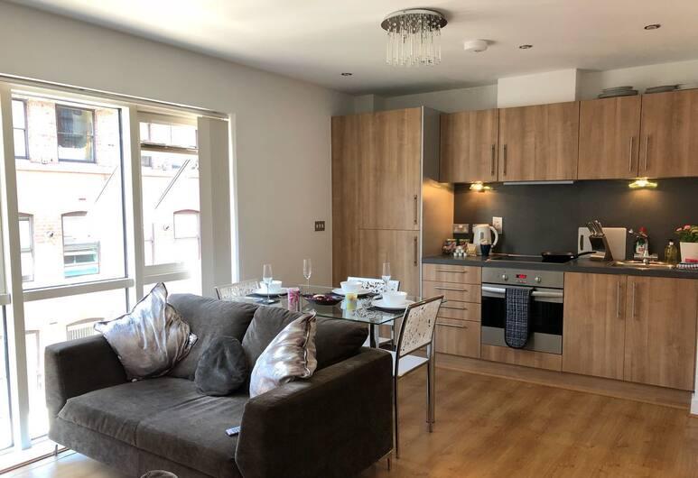 St Pauls Apartment, Birmingham, Apartment, Non Smoking, Living Area