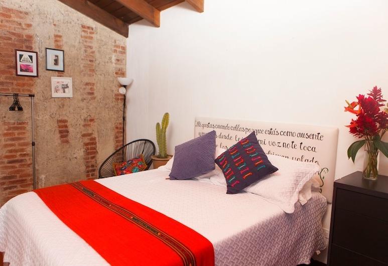 Quetzalroo Boutique Hostel, Ciudad de Guatemala, Habitación doble estándar, 1 cama doble, para no fumadores, baño compartido, Habitación