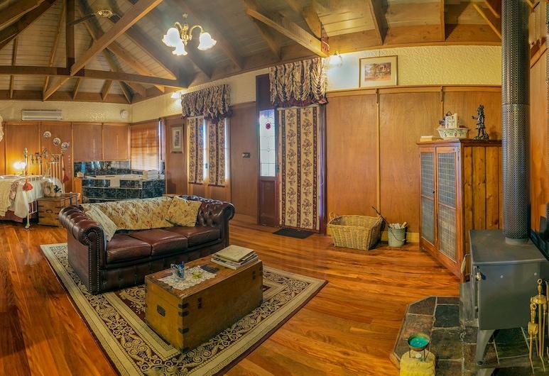 Observatory Cottages, Mount Dandenong, Romantic Cottage, 1 Katil Ratu (Queen) (Ironbark), Ruang Tamu