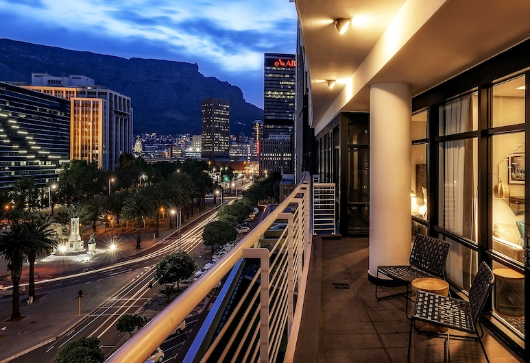 The Onyx Apartment Hotel, Cape Town, Apartment, 2 Bedrooms, Mountain View, Mountain View